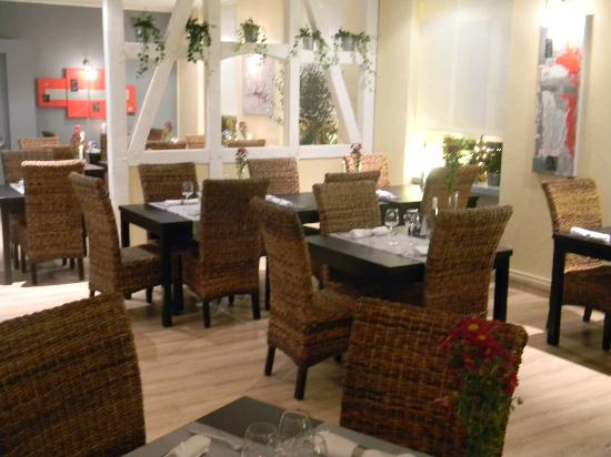 Traditional french food au jardin des oliviers barr for Au jardin des oliviers
