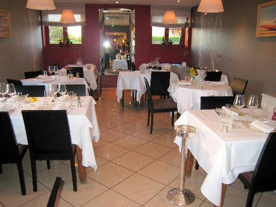Aux Terrasses Restaurant